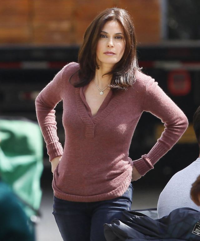 Teri Hatcher awesome picture