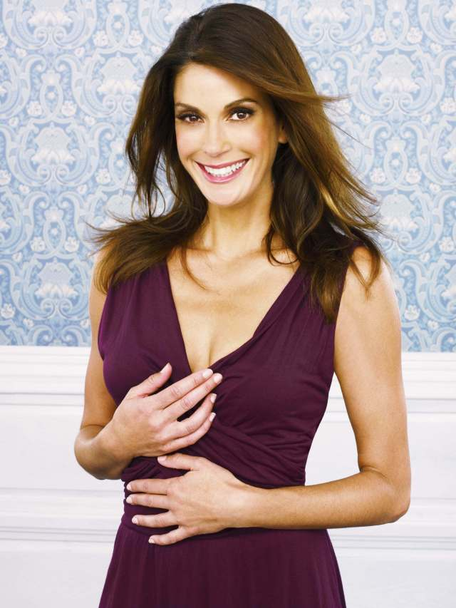 Teri Hatcher hot cleavages pic