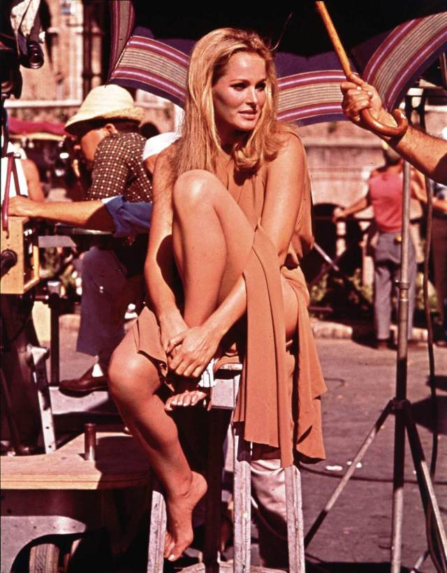 Ursula Andress hot picture (5)