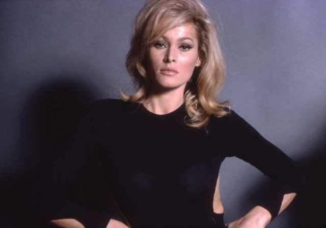 Ursula Andress sexy picture (3)
