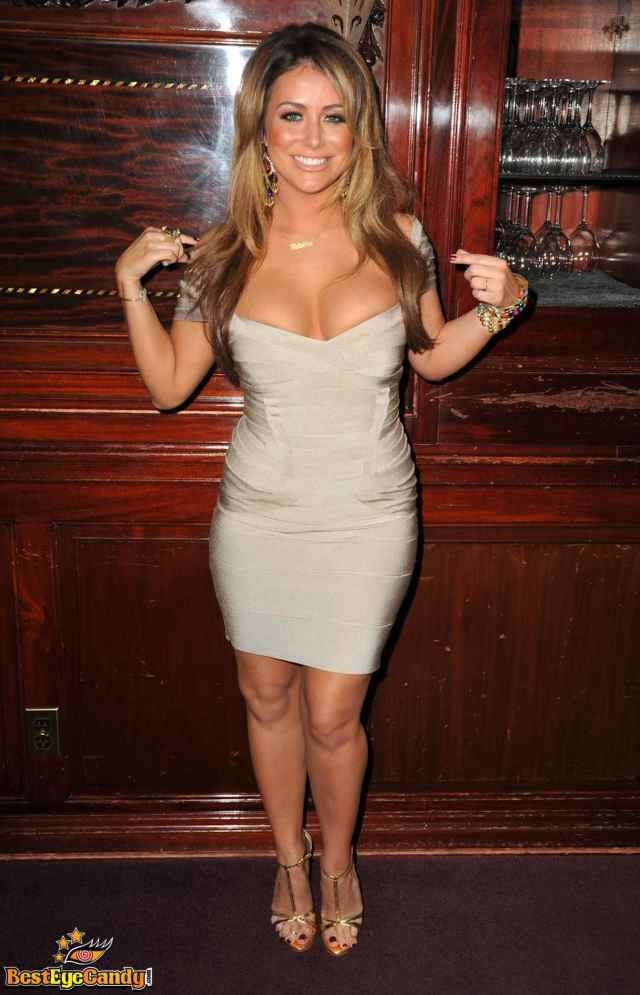 aubrey o'day cleavages awesome