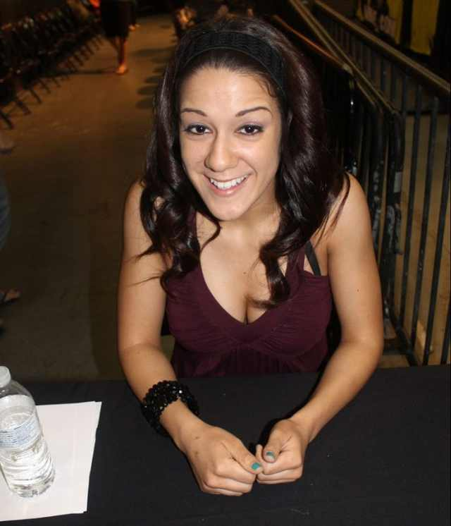 bayley hot cleavage (4)