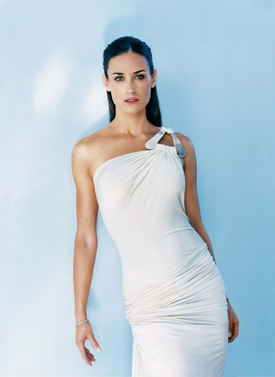 demi_moore_ white awesome dress