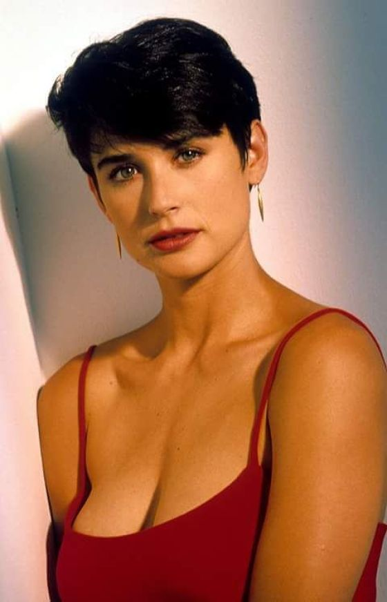 demi_moore_cleavages pictures