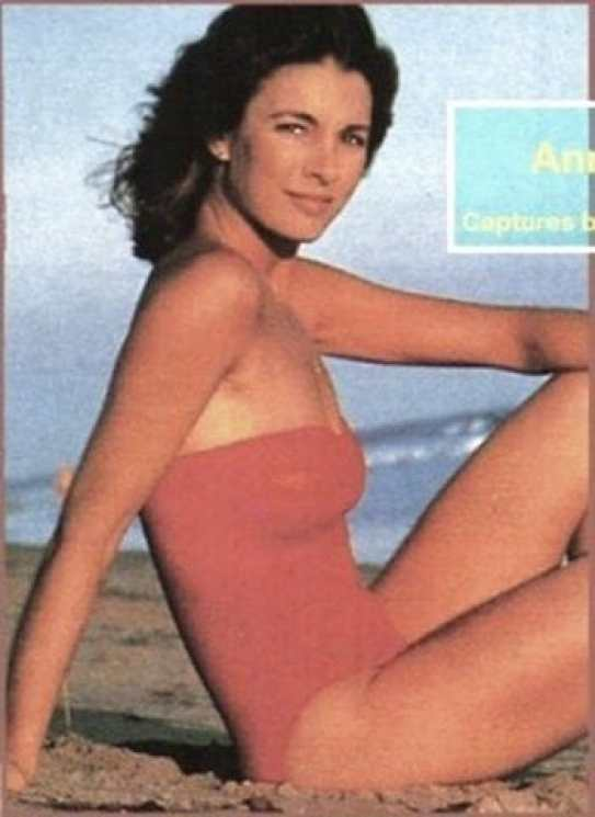 Anne Archer hot lady photo