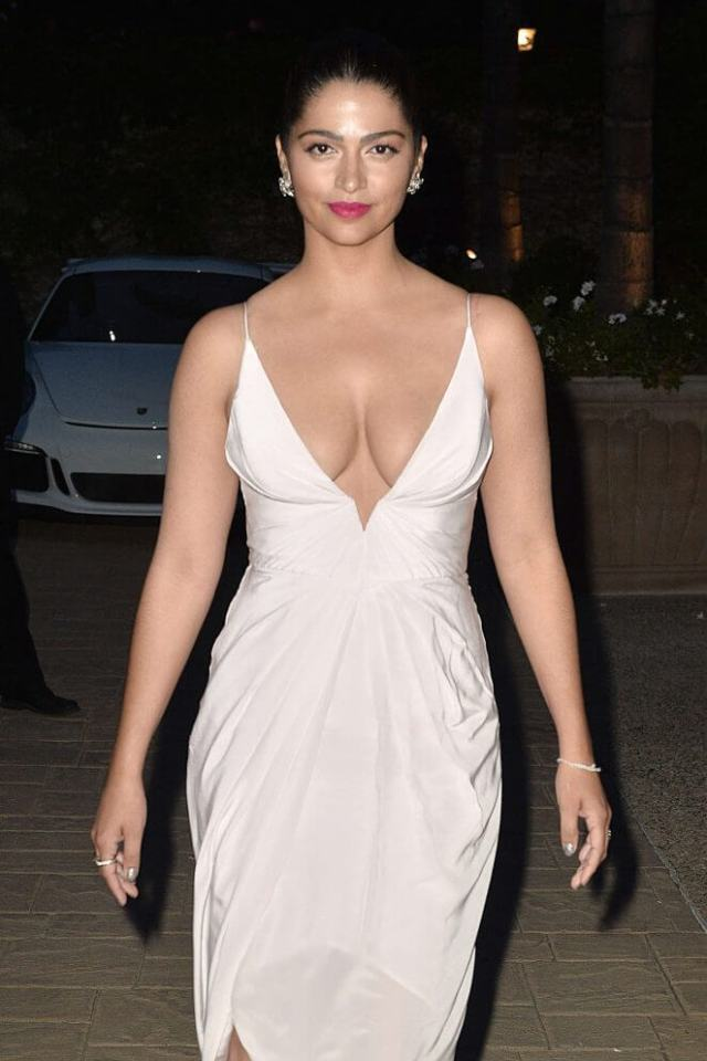 Camila Alves sexy cleavages photo
