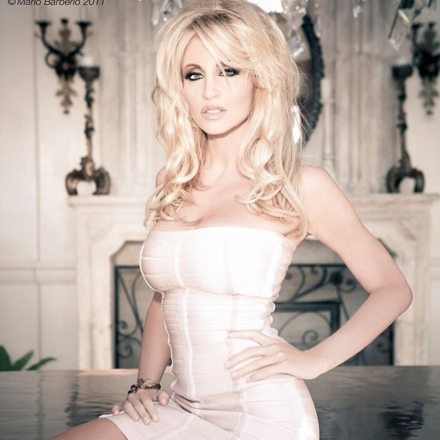 Camille Grammer Photoshoot Pics