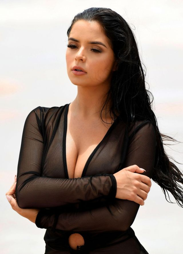 Demi Rose sexy lady picture
