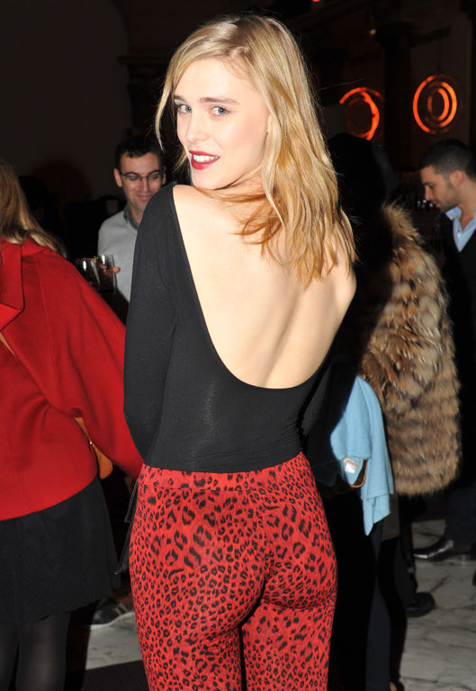 Gaia Weiss too hot picture