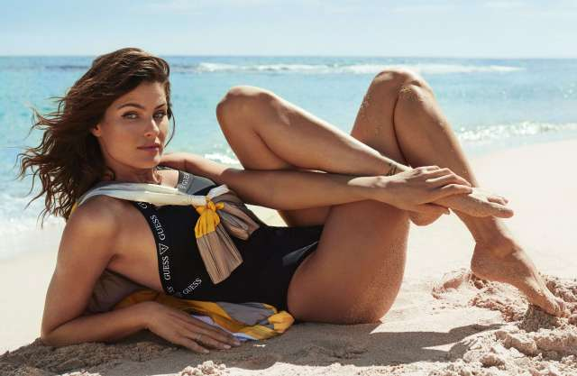Isabeli Fontana sexy pictures