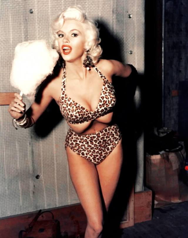 Jayne Mansfield hot busty pic