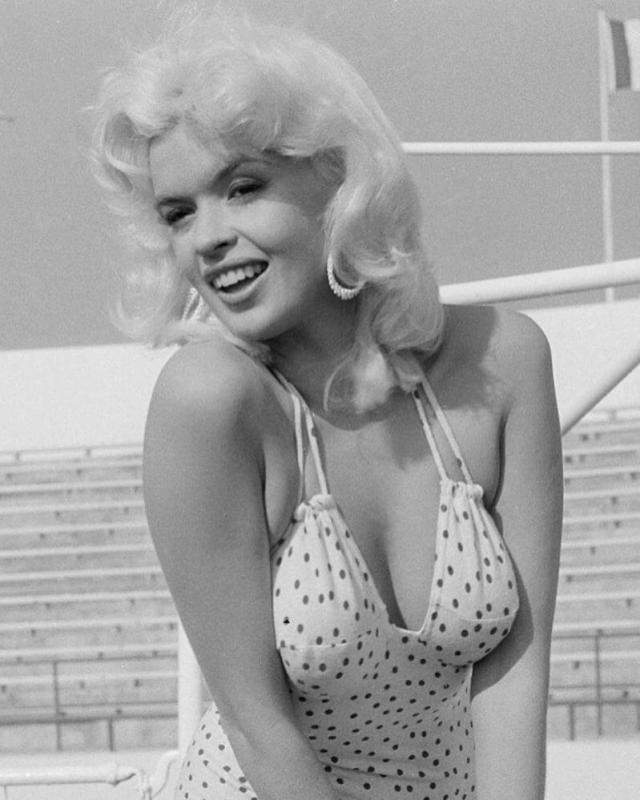 Jayne Mansfield hot busty pictures