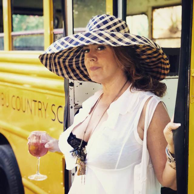 Joely Fisher hot pic