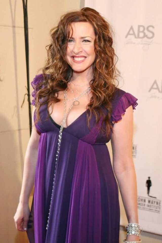 Joely Fisher sexy pictures