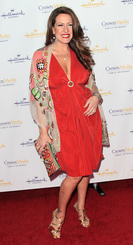 Joely Fisher sexy red dress