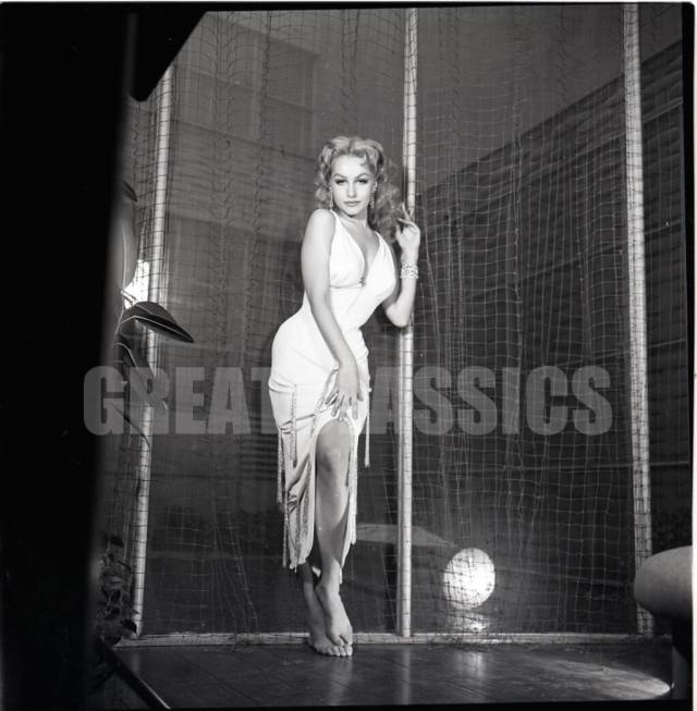 Julie Newmar awesome pic