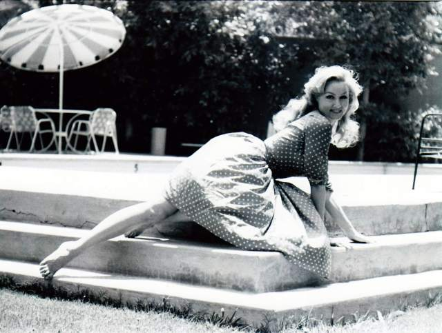 Julie Newmar sexy pic