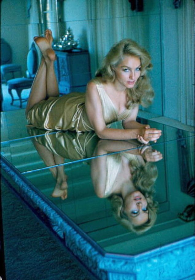 Julie Newmar sexy pictures