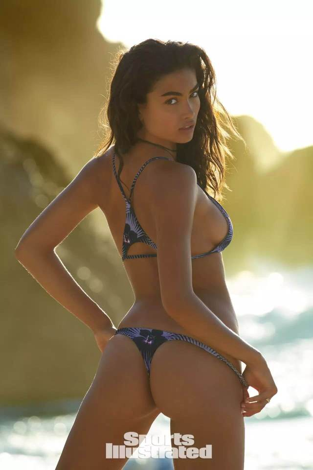 Kelly Gale awesome booty