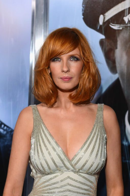 Kelly Reilly sexy cleavage pic