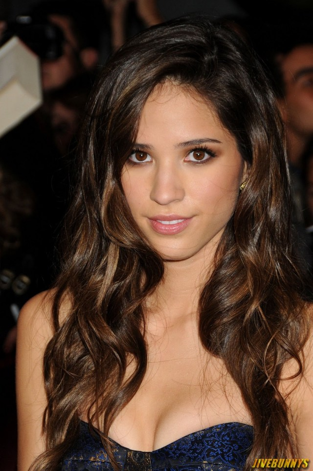 Kelsey Asbille Sexy Boobs