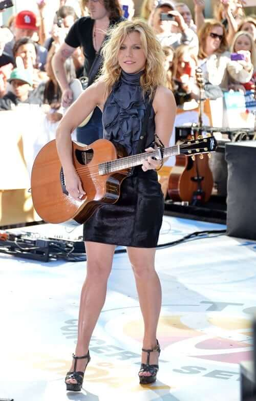 Kimberly Perry awesome pics