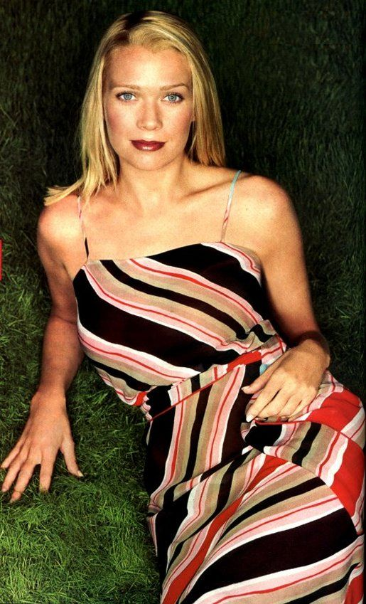 Laurie Holden sexy and hot photo