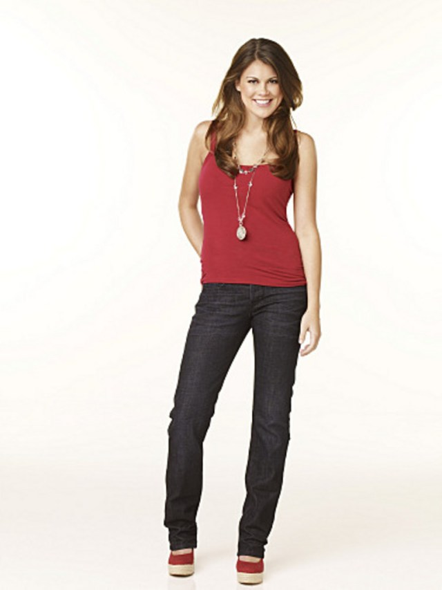 Lindsey Shaw very hot