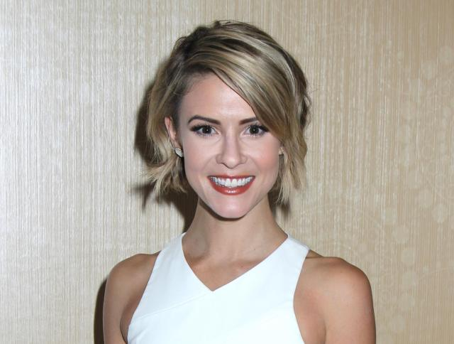 Linsey Godfrey hot smile pic