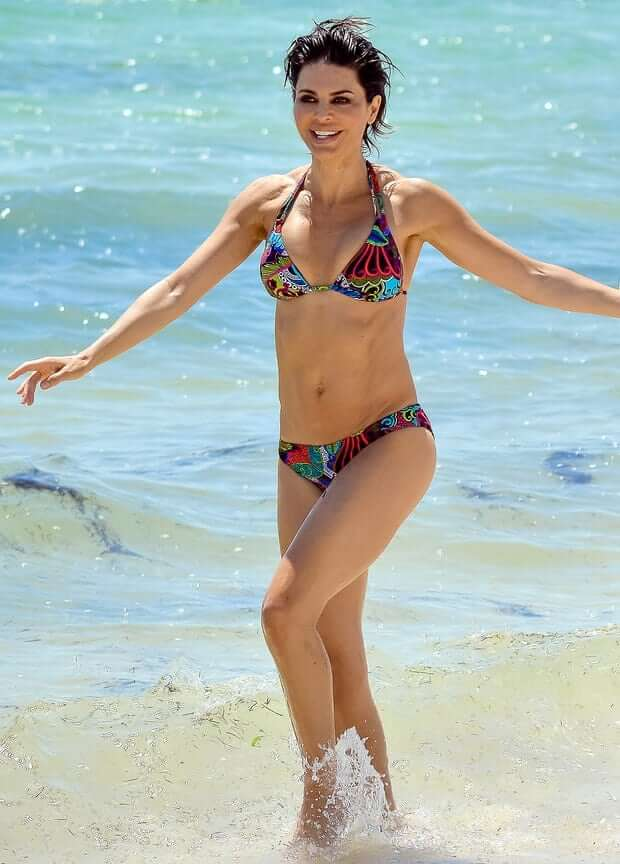 Lisa Rinna hot pic