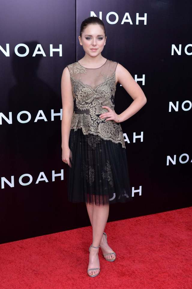 Madison Davenport hot pictures