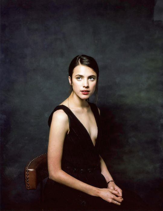 Margaret Qualley sexy lady photo