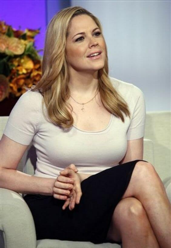 Mary McCormack sexybusty picture
