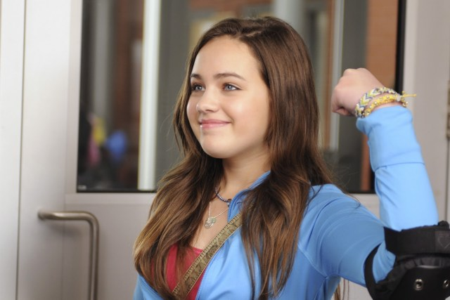 Mary Mouser awesome pic (3)