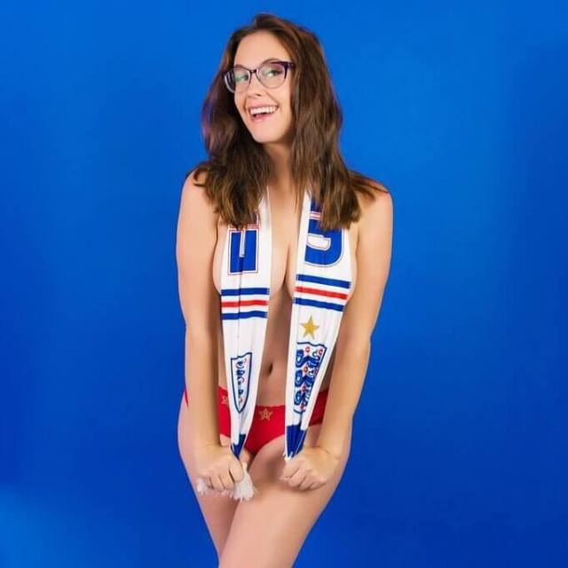 Meg Turney hot cleavages picture