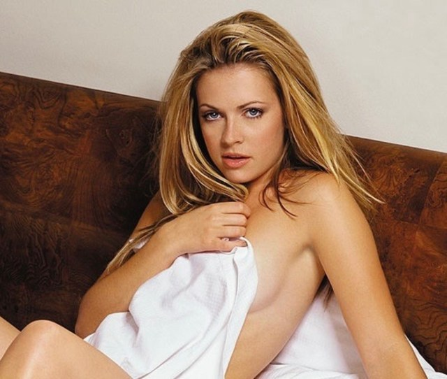 Hot Pictures Of Melissa Joan Hart Which Expose Her Sexy Body