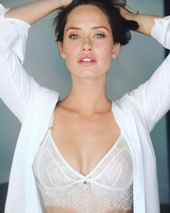 Merritt Patterson sexy and hot