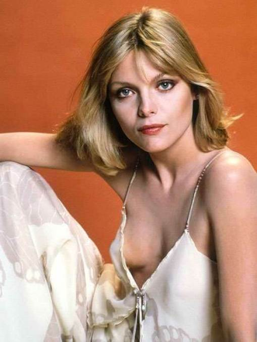 Michelle Pfeiffer sexy cleavages