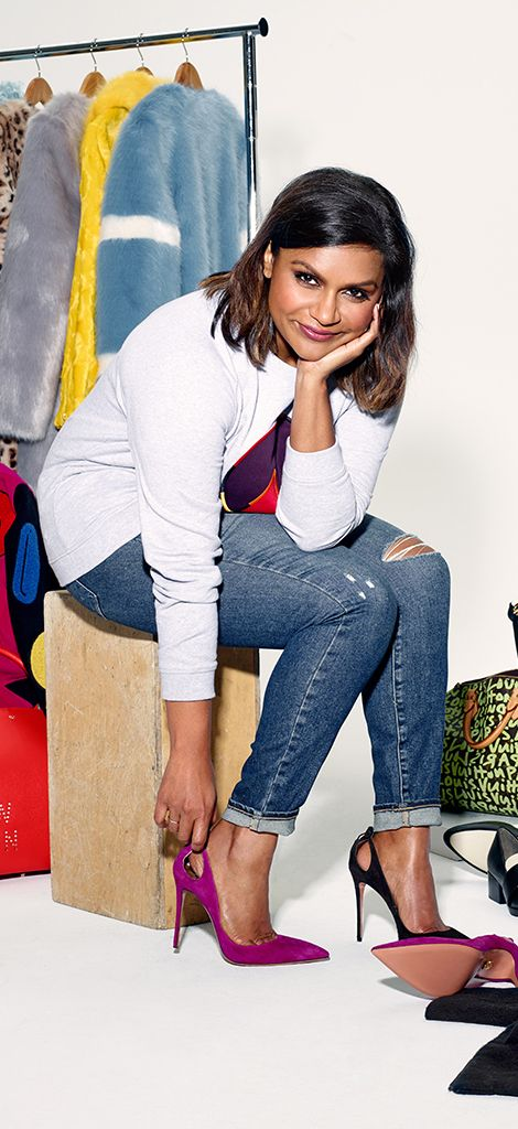 Mindy Kaling Hot in Jeans