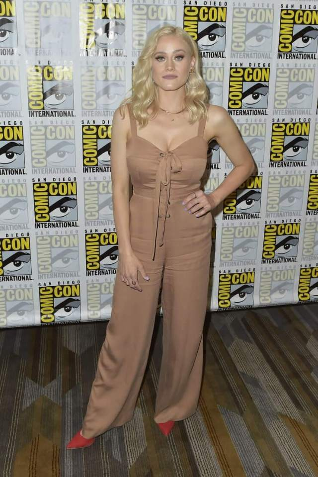 Olivia Taylor Dudley sexy