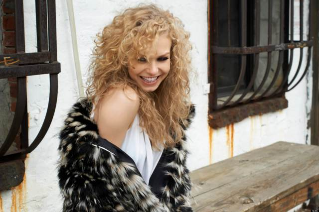 Penelope Mitchell hot smile pic