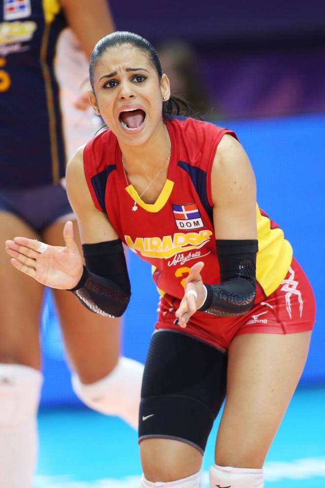 Winifer Fernandez thighs awesome (2)