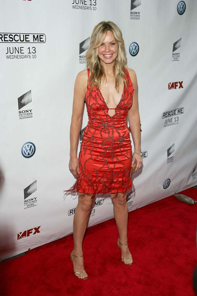 andrea roth hot cleavage