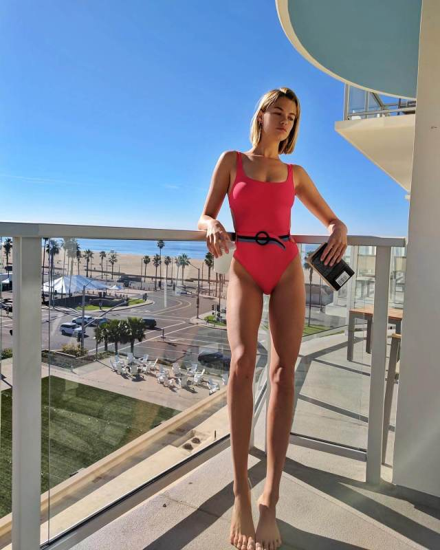 hailey clauson bare feet pictures