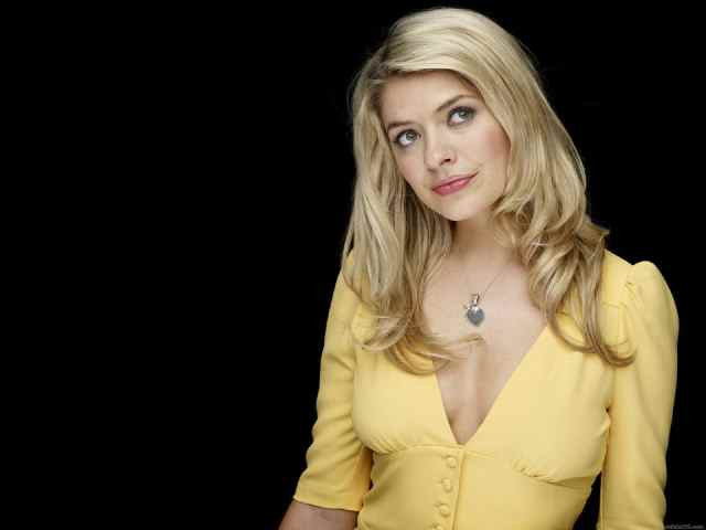 holly Willoughby hot pic