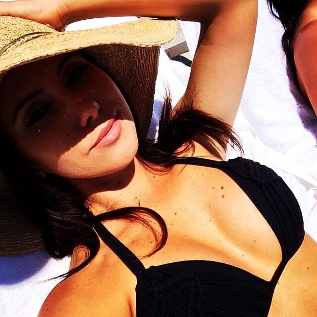 jenn sterger hot cleavage