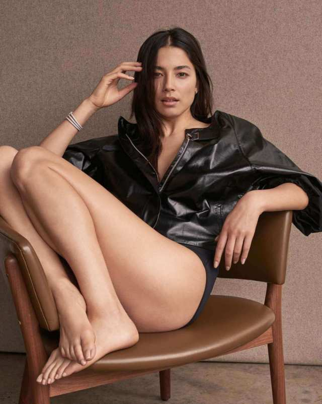 jessica gomes hot thighs