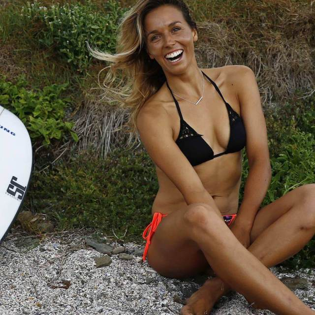 sally fitzgibbons cleavage pics