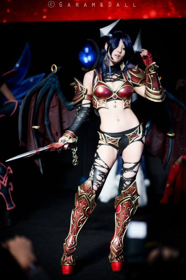Akasha Queen of Pain awesome pics