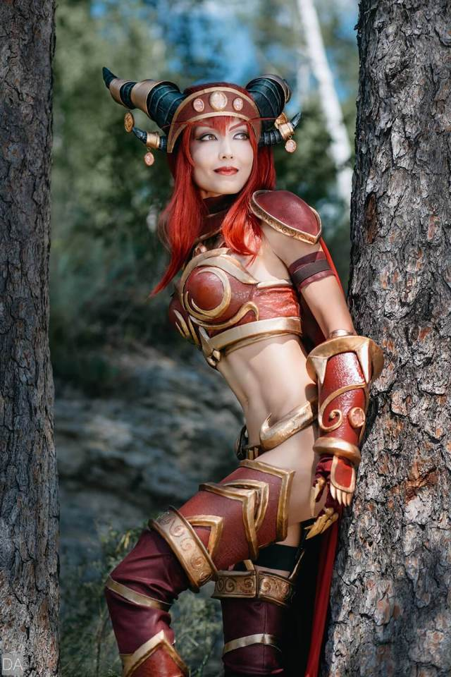 Alexstrasza sexy side pictures